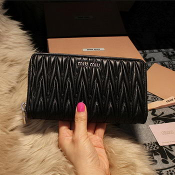 miu miu Matelasse Nappa Leather Wallet 5M1033 Black
