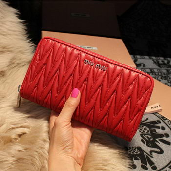 miu miu Matelasse Nappa Leather Wallet 5M1033 Red
