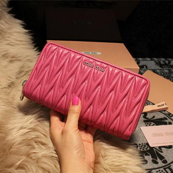 miu miu Matelasse Nappa Leather Wallet 5M1033 Rose