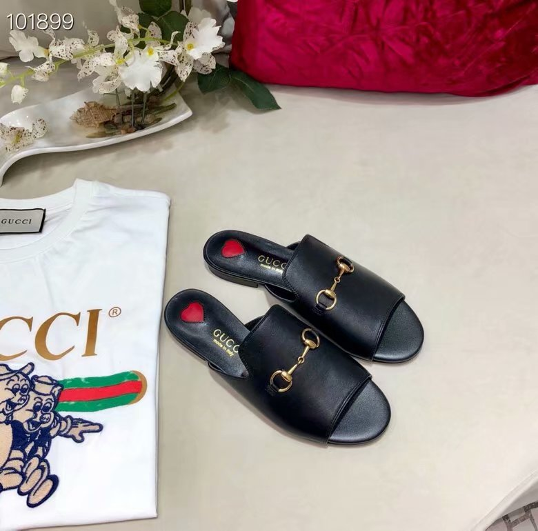 Gucci Leather slipper GG1535BL-2