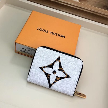 Louis Vuitton Zippered pocket purse M60067