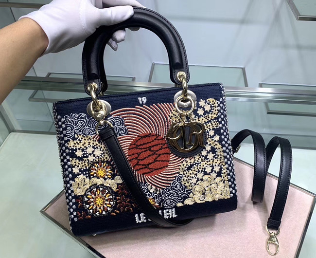 LADY DIOR embroidered cattle leather M0565-2