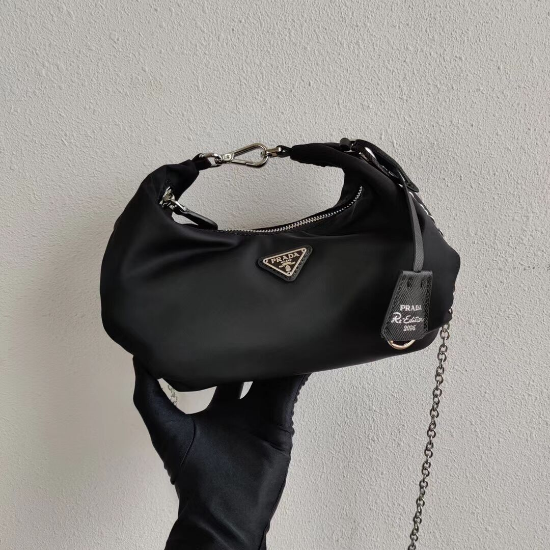 Prada Re-Edition 2005 nylon shoulder bag 1BH172 black